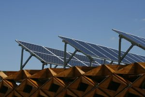 Solarne panely nie sú iba na novostavby
